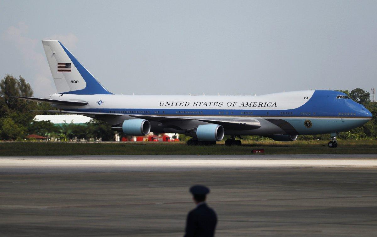 اور یہ سب سے مشہور امریکا کا 'ایئر فورس ون' یعنی امریکی صدر کے زیر استعمال بوئنگ 747