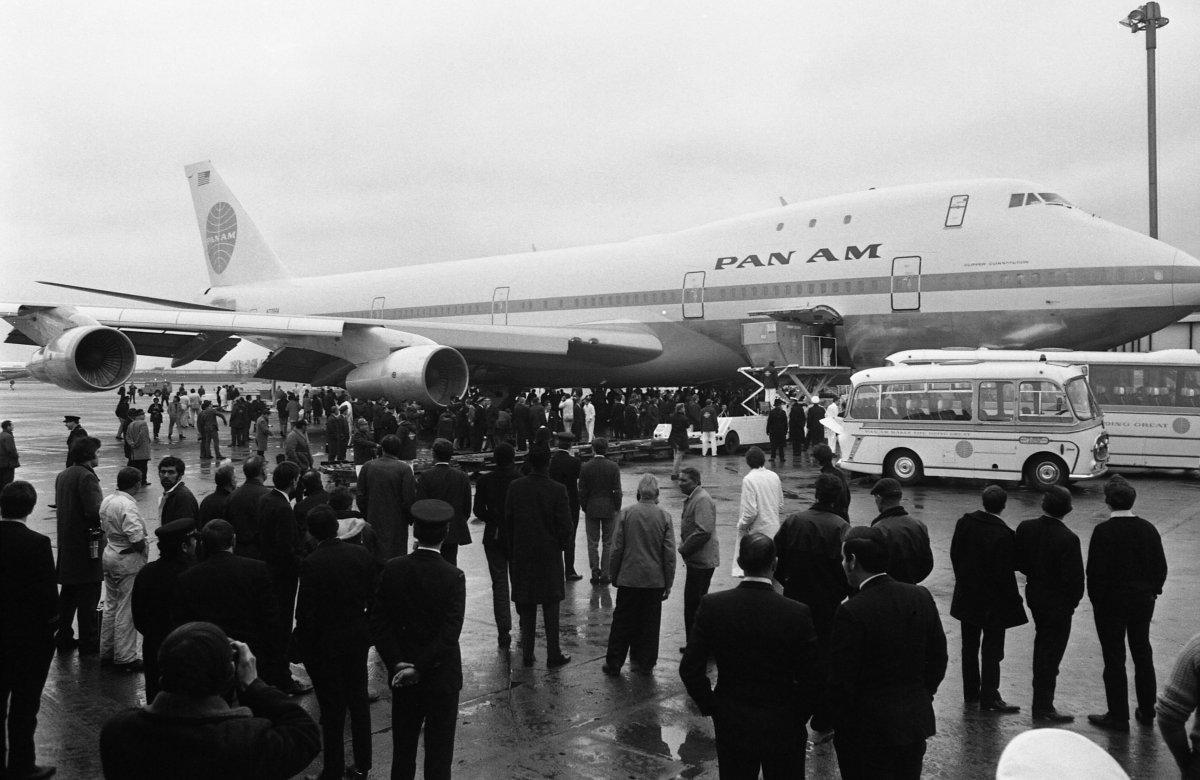 1970ء میں پان ایم ایئر لائنز کے بیڑے میں شامل ہونے والے اس دیو ہیکل جیٹ طیارے کو دیکھ کر عوام حیران رہ گئے