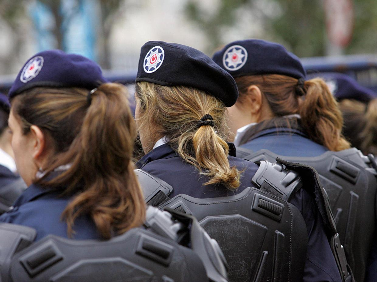 turkey-women-police