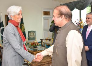 PRIME MINISTER MUHAMMAD NAWAZ SHARIF SHAKES HAND WITH CHRISTINE LAGARDE, MANAGING DIRECTOR, IMF ON ARRIVAL AT PM HOUSE ON 24TH OCTOBER 2016.