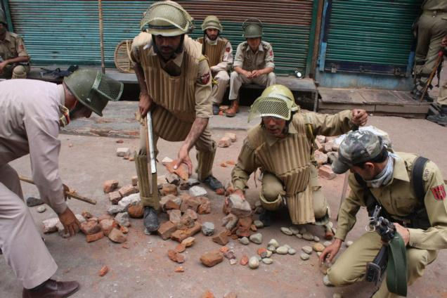 indian-forces-in-kashmir